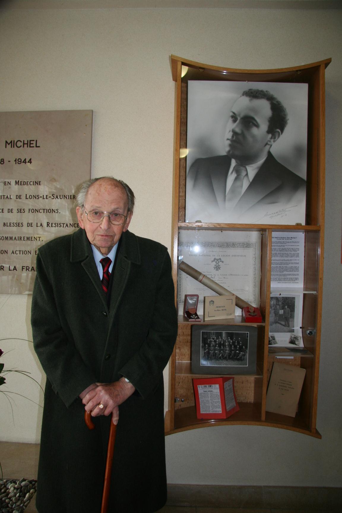 Raymond Aubrac honore le Docteur Jean Michel