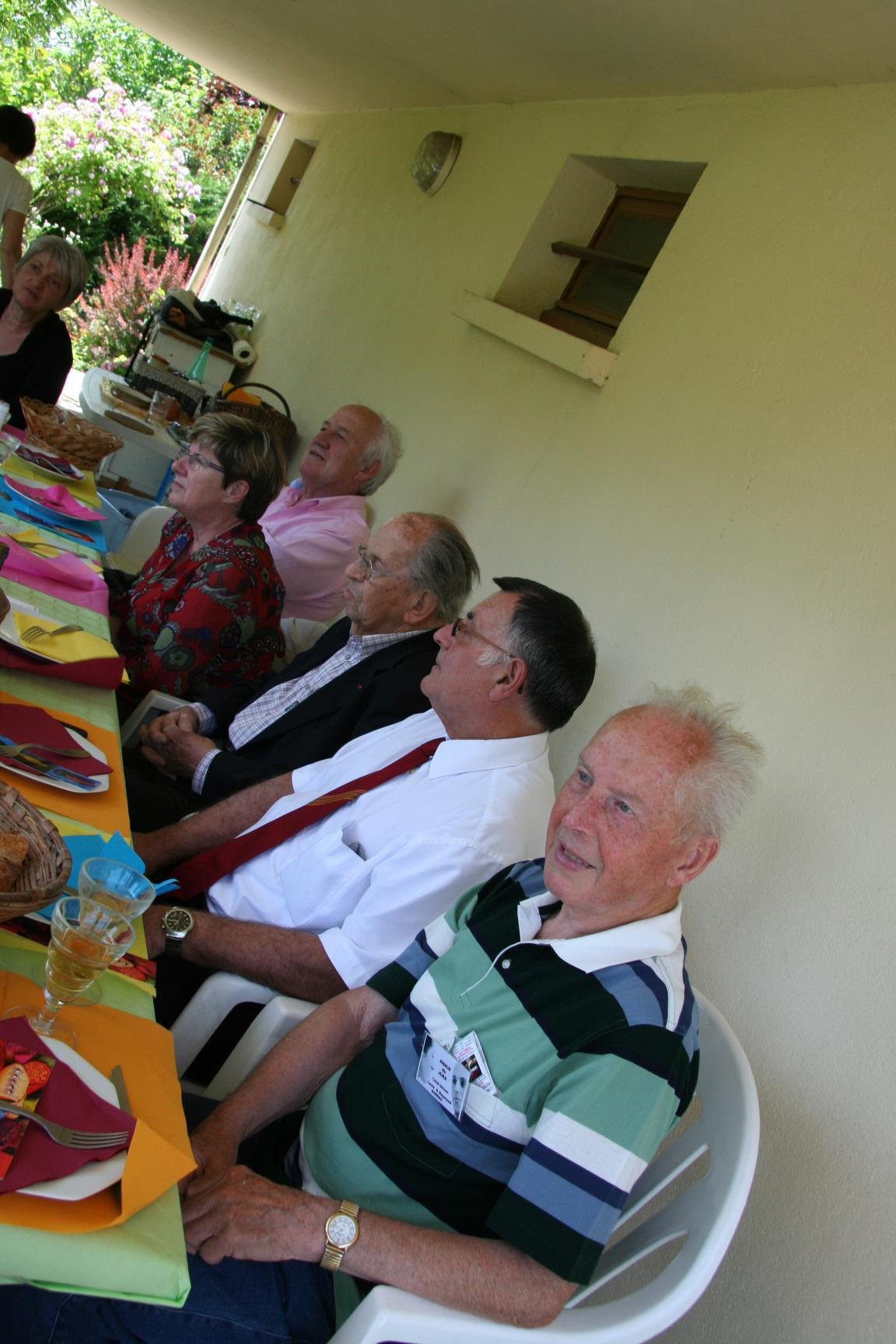 Repas convivial de l'ANACR autour de Raymond Aubrac