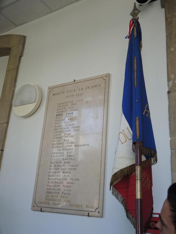 Hommage à la plaque du collège Rouget de Lisle